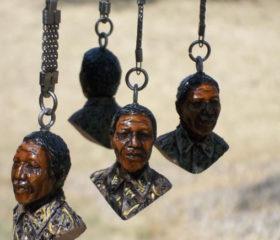 Mandela Keyring Bust