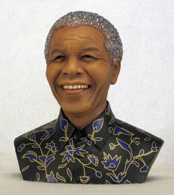 Nelson Mandela Bust 13.5cm
