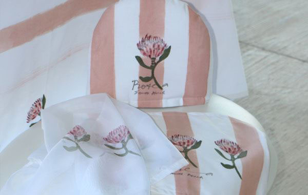 Protea Tray Cloth and Cover Set